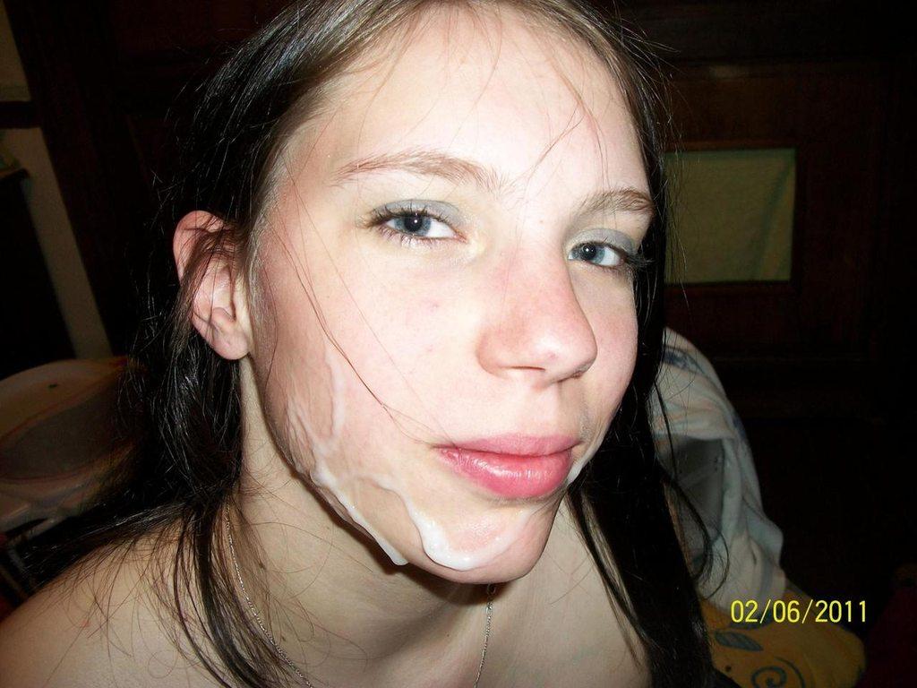 Amateur éjaculation dans bouche en photo 145