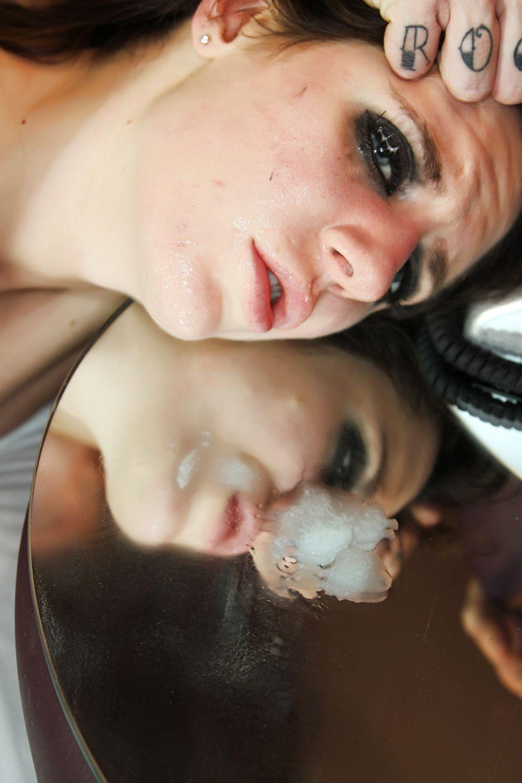Amateur éjaculation dans bouche en photo 178