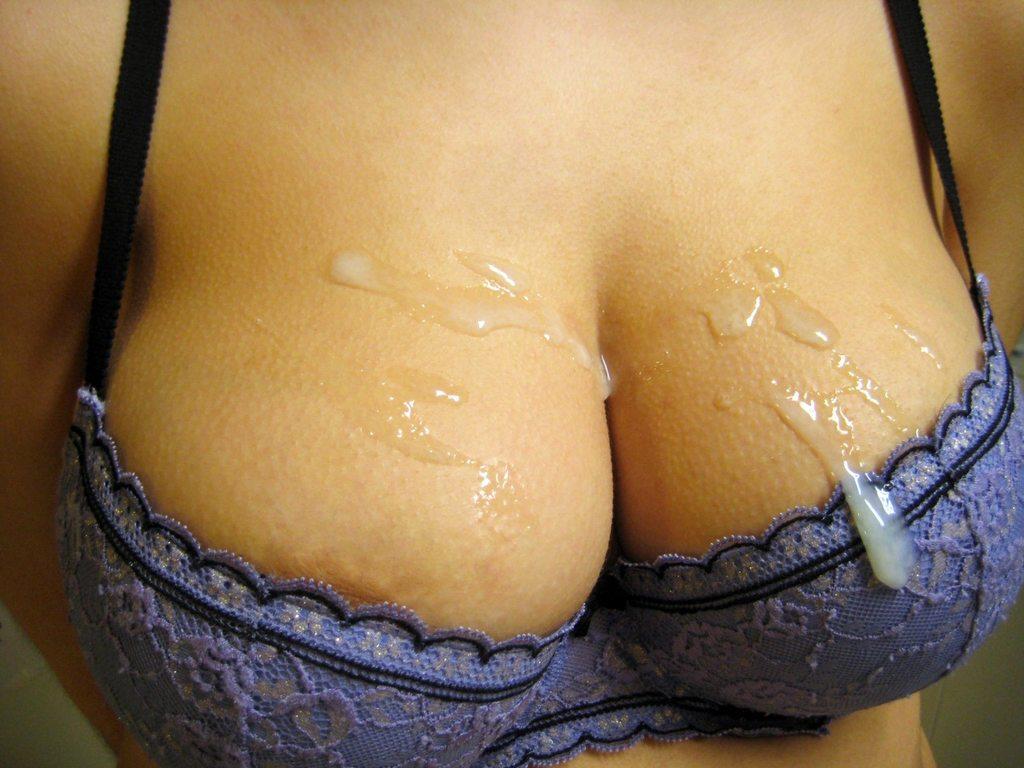 Bonne pipe avec ejaculation dans la bouche 060