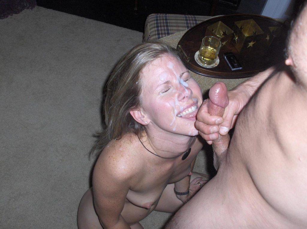 Pipe avec une généreuse éjaculation photo sexe 030