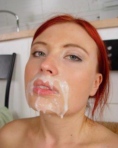Sperme dans la bouche 017