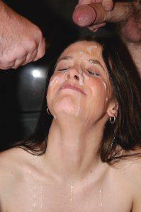 Sperme dans la bouche 067