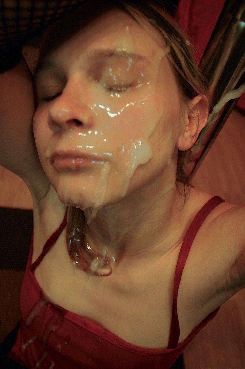 enorme ejac faciale recompense de sa superbe pipe en photo 074
