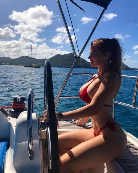 femme nue en webcam brune