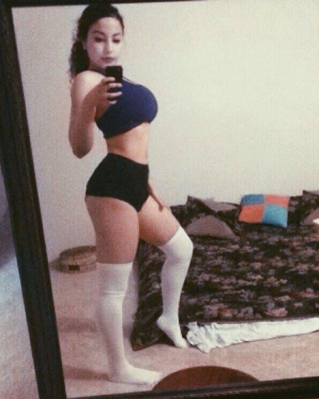 sexy19 grosse poitrine